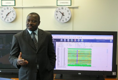 Lassina Zerbo ist Chef des internationalen Datenzentrums der CTBTO, einer IAEA-Organisation, die illegale Atombombentests pr�ft